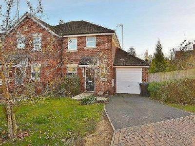 Crabtree Close, Beaconsfield, Hp9