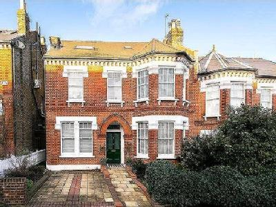 Lanercost Road, Sw2 - Conversion, Gym