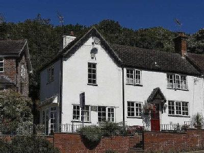 Adams Hill, Clent, Dy9 - Cottage