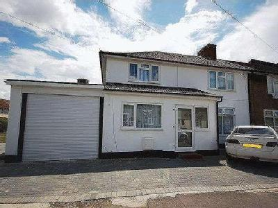Rugby Road, Dagenham, Rm9 - No Chain