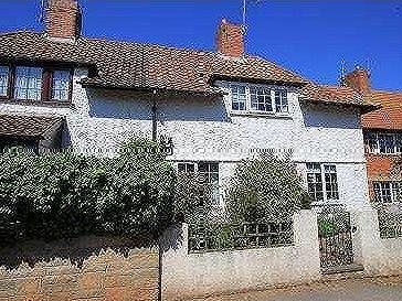 House for sale, Frewins - Cottage