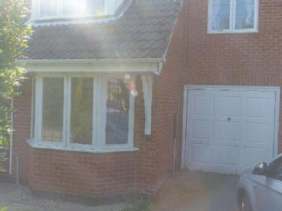 House to rent, Merlin Close - Garden