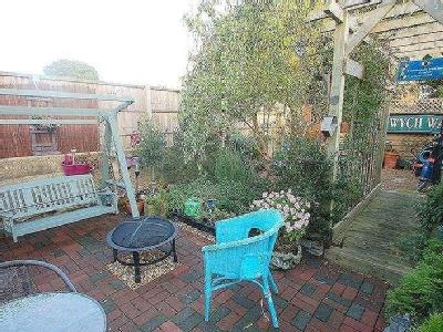House for sale, Linden Grove - Garden