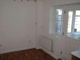 House to let, Waterloo Drive - Garden