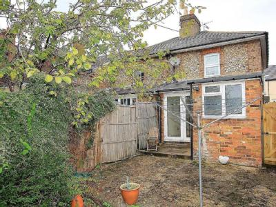 House to let, St Johns Road - Garden