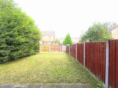 House for sale, Fincham Road - Garden