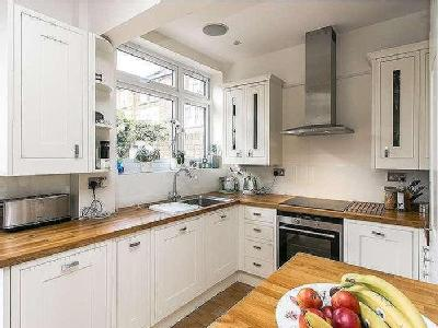 House for sale, Broomwood Road