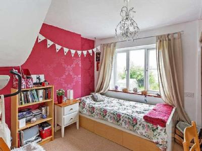 House for sale, Tring Road - Patio