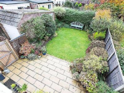 House for sale, Roundway - Garden