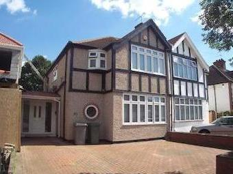 Valley Drive, Kingsbury Nw9