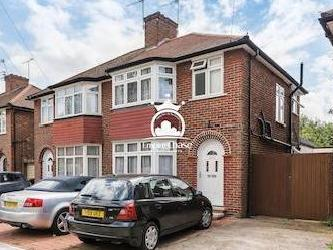 Booth Road, Colindale Nw9 - En Suite