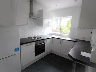 House to let, Wood Close Nw9 - Garden