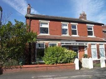 Cleveland Road, Lytham St. Annes Fy8