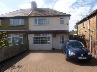 Hampshire Avenue, Slough Sl1 - Patio