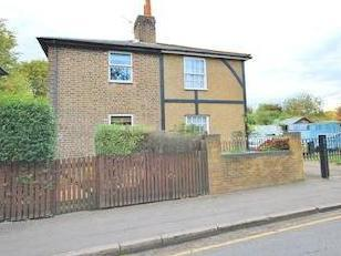 Staines Road East, Lower Sunbury, Middlesex Tw16