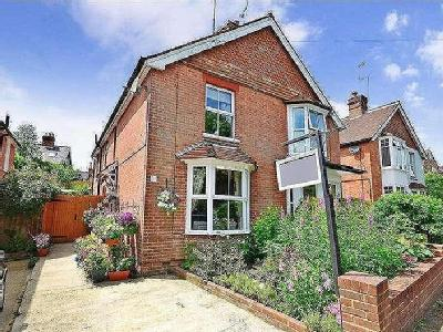 Beacon Oak Road, Tenterden, Kent, Tn30