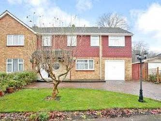 Oakhurst Close, Chatham, Kent Me5