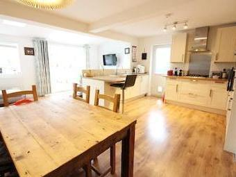 Cannon Way, West Molesey Kt8 - Modern