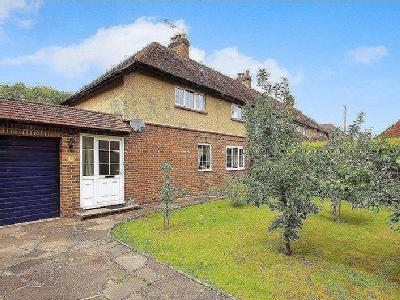 Clandon Road, Send, Gu23 - Cottage