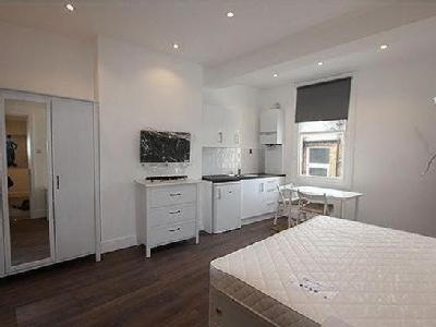 Brent Street, Hendon, Nw4 - Furnished