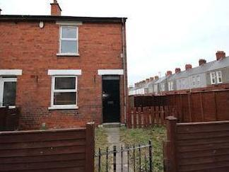 Tates Avenue, Belfast Bt12 - Terrace