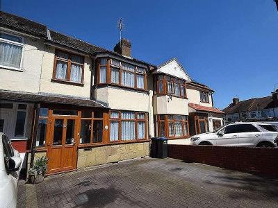 Addison Road, Enfield, En3 - Terrace