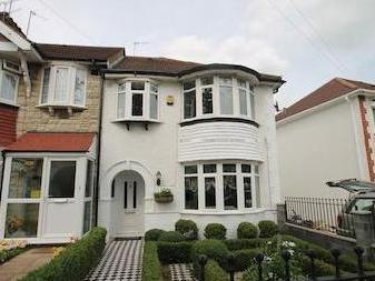 Currey Road, Greenford Ub6 - Garden