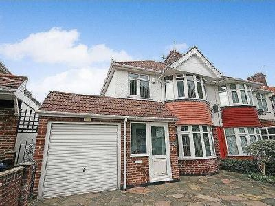 Eastcote Avenue, Greenford, Ub6