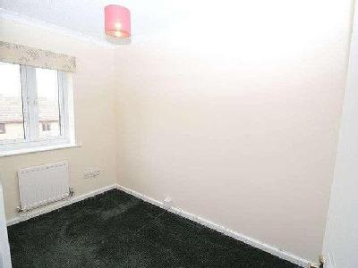 House to rent, Heron Close - Terrace