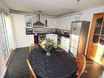 Millcroft road g67 glasgow property find properties for for 11242 mill place terrace
