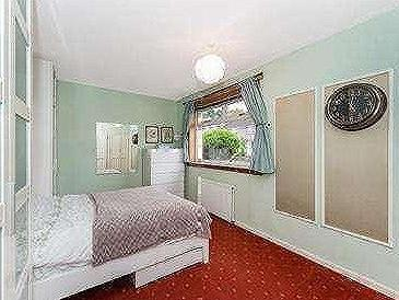 Castlefern Road - Double Bedroom