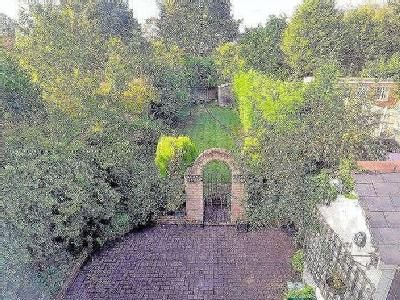 House for sale, Warley Road - Garden