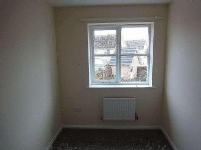 House to let, Galway Close - Garden