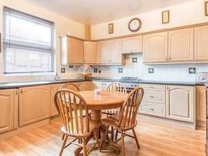 Alcester Terrace, Leeds Ls8 - Kitchen