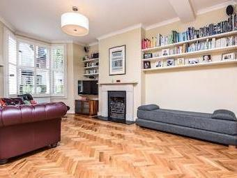 Laitwood Road Sw12 - Fireplace, Patio