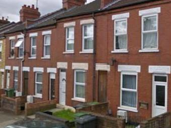 Newcombe Road, Luton, Beds Lu1