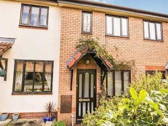 Smale Rise, Oswestry Sy11 - Listed