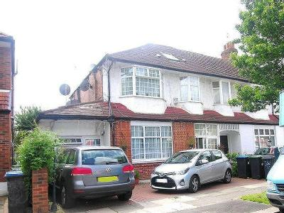 Princes Avenue, Palmers Green, N13