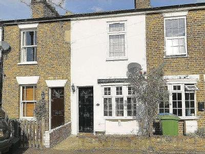 Southbank, Thames Ditton, Kt7