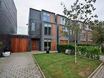 Greenfield Place, Hayes Ub3 - Garden
