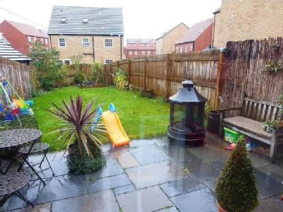 House to let, Dealtry Road - Garden
