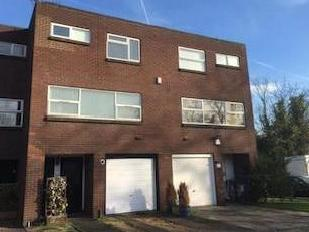House for sale, Linksway Nw4 - Garden