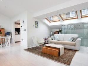 House for sale, Sunny Mews Nw1 - Mews