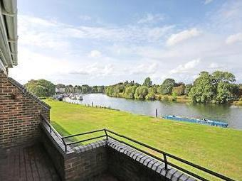 Ditton Reach, Portsmouth Road, Thames Ditton Kt7