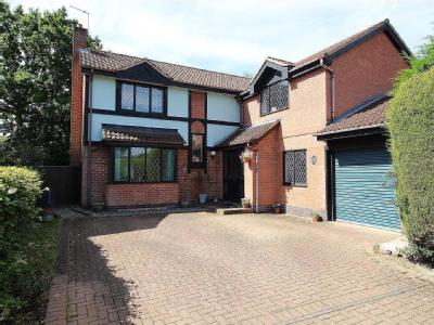 Holly Court, Bramcote, Ng9 - Terrace