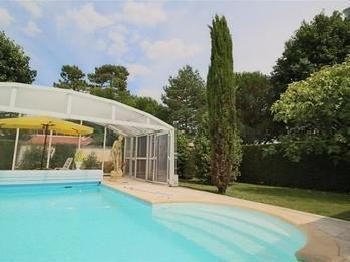 Chemin long maison en vente for Piscine merignac