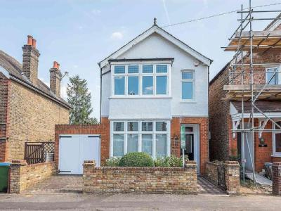 Weston Park, Thames Ditton, Kt7