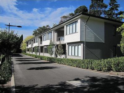 Flat to let Bowral - Lift, Terrace