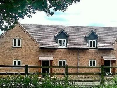 Willow Tree Cottage, Main Road, Wr9