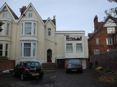 House for sale, Close Seafront